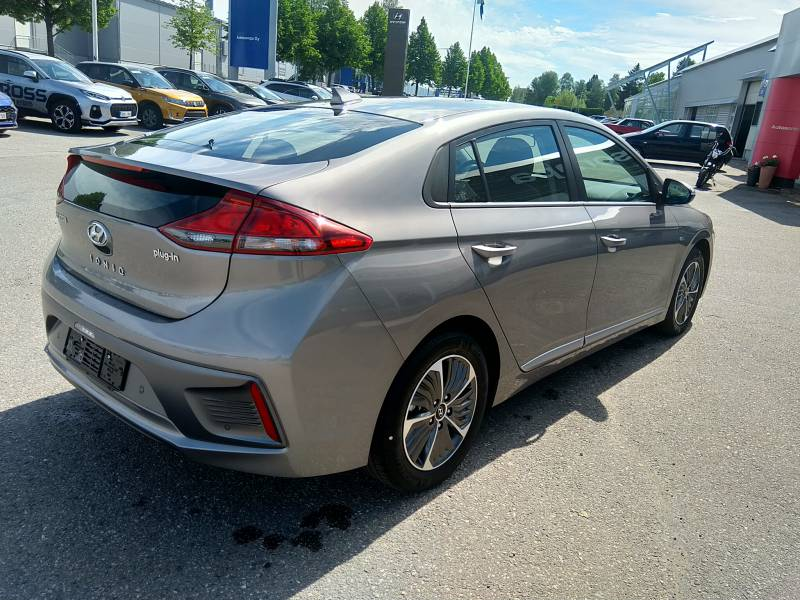 Hyundai Ioniq plug-in